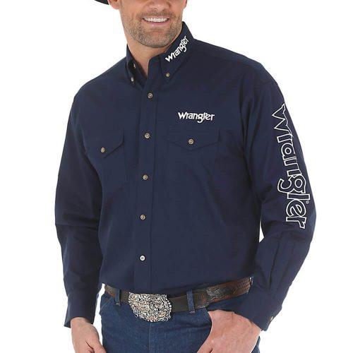 Men's Wrangler® Logo Long Sleeve Button Down Solid Shirt