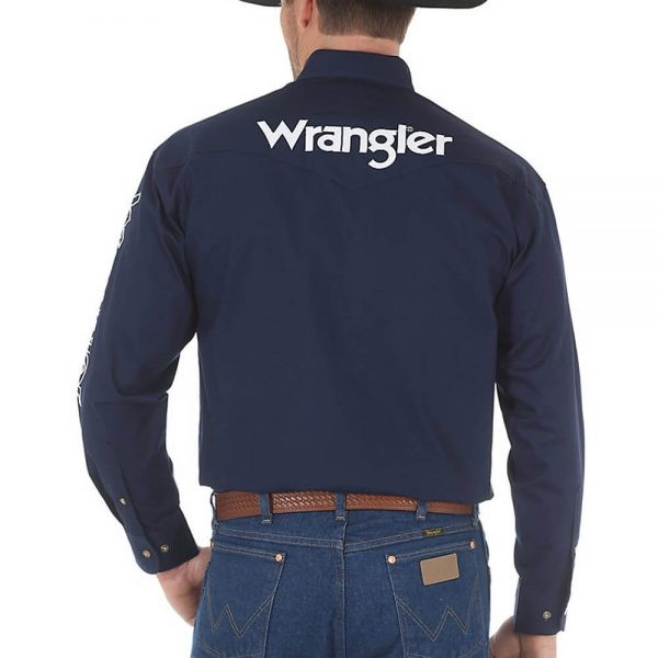 Men's Wrangler® Logo Long Sleeve Button Down Solid Shirt